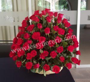 canasta de 100 rosas florerias en guadalajara con servicio a domicilio, zapopan, tlaquepaque, tonala, tlajomulco