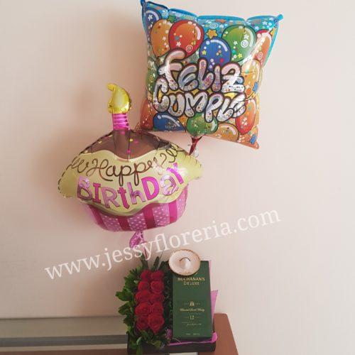 Caja con Buchanans 12, rosas y globos florerias en guadalajara con servicio a domicilio, zapopan, tlaquepaque, tonala, tlajomulco