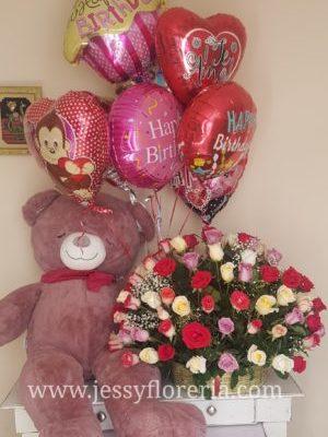 Canasta de rosas con globos florerias en guadalajara con servicio a domicilio, zapopan, tlaquepaque, tonala, tlajomulco