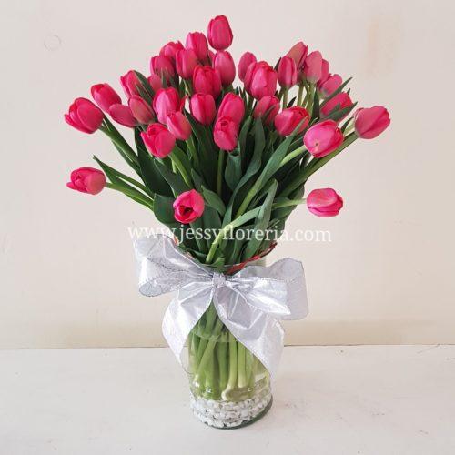 Florero de 40 tulipanes florerias en guadalajara con servicio a domicilio, zapopan, tlaquepaque, tonala, tlajomulco