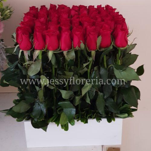 Caja con 64 rosas florerias en guadalajara con servicio a domicilio, zapopan, tlaquepaque, tonala, tlajomulco