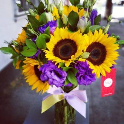 Florero de Girasoles y lisianthus florerias en guadalajara con servicio a domicilio, zapopan, tlaquepaque, tonala, tlajomulco