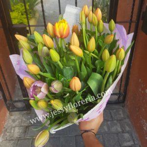 30 tulipanes ramo