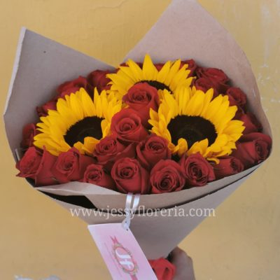bpuquet girasoles y rosas craft