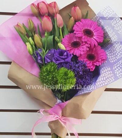 Bouquet de tulipanes y gerberas