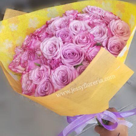 Ramo rosas lilas