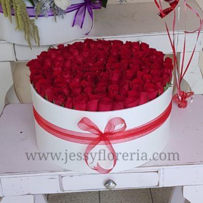 Caja redonda con 120 rosas