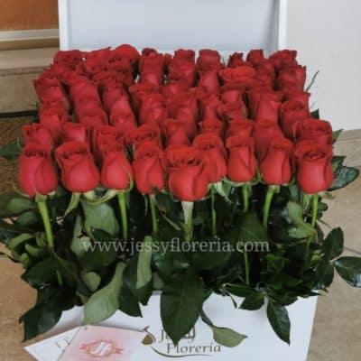 Baúl de 80 rosas