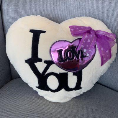 Cojín corazón lila