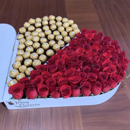 134-Corazón 80 rosas y 50 ferreros
