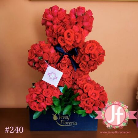 Oso de 350 rosas rojas