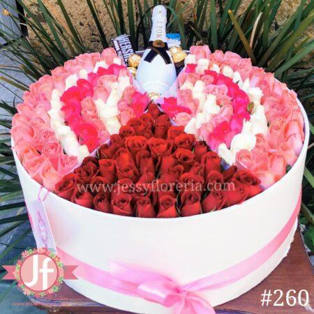 260 Caja 200 rosas Moet y chocolates