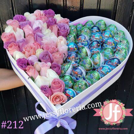 Corazón 50 rosas rositas 30 Kinder Sorpresa