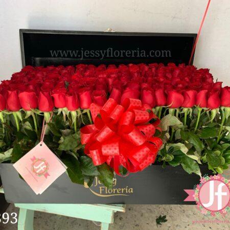393-cofre-200-rosas-rojas
