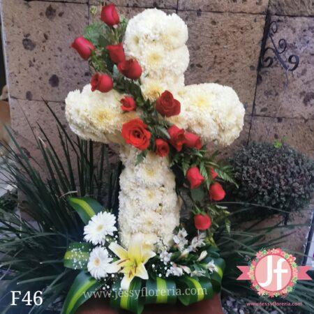 F46-Diseño cruz con rosas