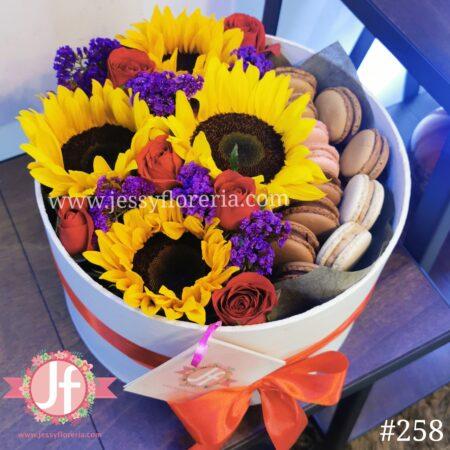 258-caja-girasoles-rosas-y-macarrones
