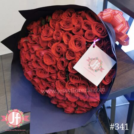 341-ramo-100-rosas-papel-negro