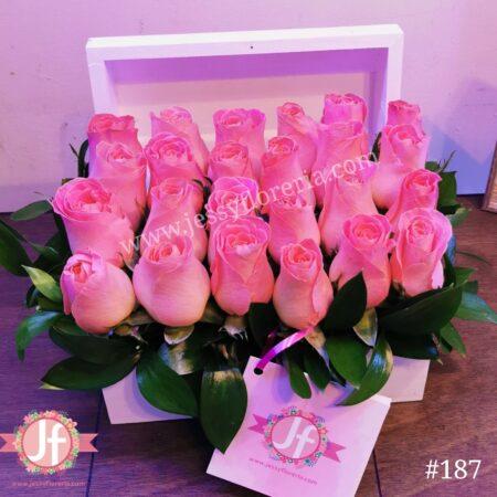 Cofre blanco 24 rosas rositas