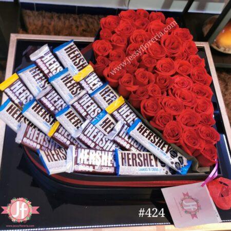 424 Corazon 50 rosas y 22 Hersheys