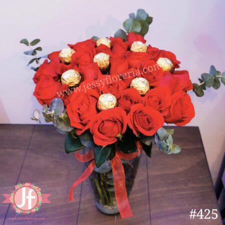 425-Florero 30 rosas Ferrero