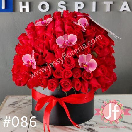 086-Esfera grande de rosas y orquídeas