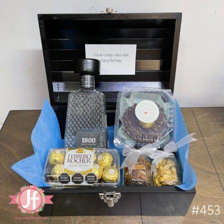 453-Cofre 1800 cristalino, Ferrero, botana y Dona