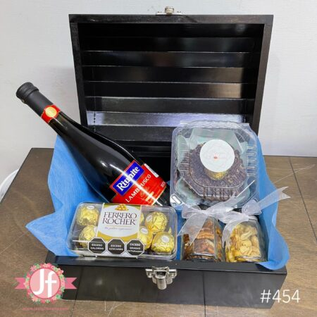 454-Cofre Lambrusco, Ferrero, botana y Dona