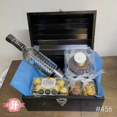 456-Cofre Maestro Dobel, Ferrero, botana y Dona