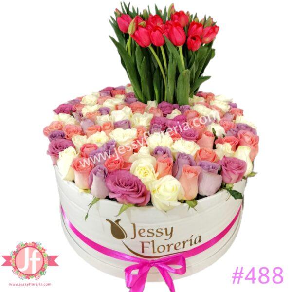 488-Caja con 100 rosas y 40 tulipanes