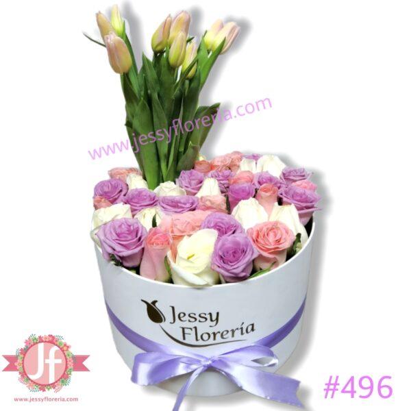 496 Caja circular con 35 rosas y 10 tulipanes